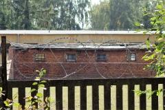 Jeden z ocalałych baraków Stalagu IID